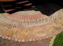 Мощение тротуарной плиткой и песчаником